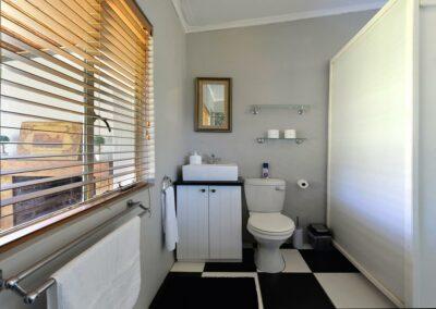 Pinotage Bathroom